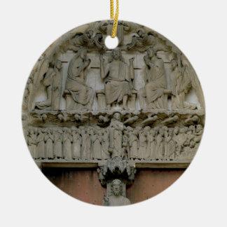 キリストによって即位させるwを描写する南門脈のtympanum セラミックオーナメント