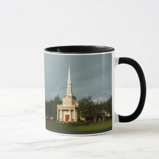 キリスト-尖塔の虹のジョンソン果樹園教会 マグカップ