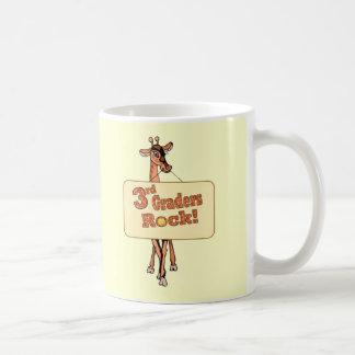 """キリンの""""第3グレーダーの石""""のデザイン コーヒーマグカップ"""