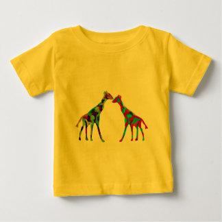 キリンはTシャツをlove ベビーTシャツ