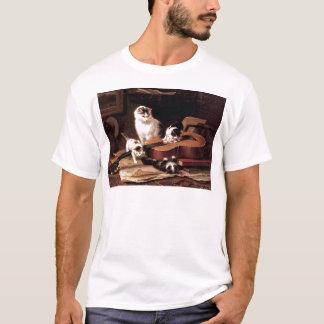 ギターのいけないかわいいと遊んでいる子ネコ猫 Tシャツ