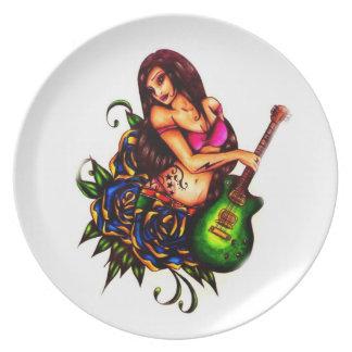 ギターを持つ女の子の上のPin プレート
