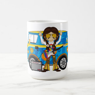 ギター及びキャンピングカーヴァンを持つヒッピーの男の子 コーヒーマグカップ