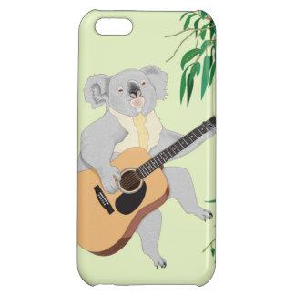 ギター- iPhone 5cケース--を演奏しているコアラ iPhone5Cカバー