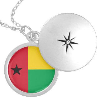 ギニア-ビサウの旗のネックレス ロケットネックレス