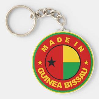 ギニア-ビサウの旗プロダクトラベルで作られる円形に キーホルダー