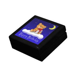ギフトのハッピーバースデーのタイルのギフト用の箱を持つテディー・ベア ギフトボックス