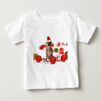 ギフト用の箱およびクリスマスオーナメントを持つピット・ブル犬 ベビーTシャツ