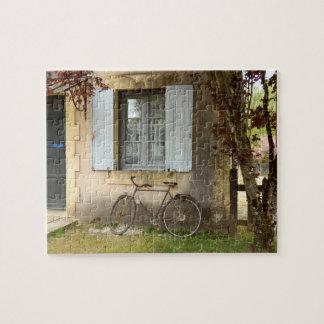 ギフト用の箱が付いているフランスのな家の写真のパズル ジグソーパズル