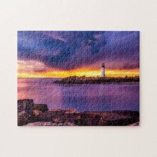 ギフト用の箱が付いている灯台及び日没の写真のパズル ジグソーパズル