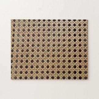 ギフト用の箱が付いている開いた織り方の藤杖の写真のパズル ジグソーパズル