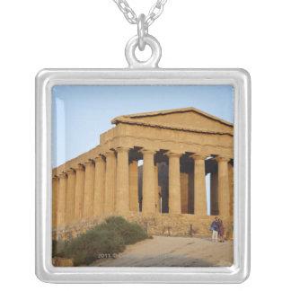 ギリシャの寺院 シルバープレートネックレス