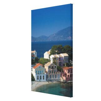 ギリシャのIonian島、KEFALONIA、Assos: キャンバスプリント