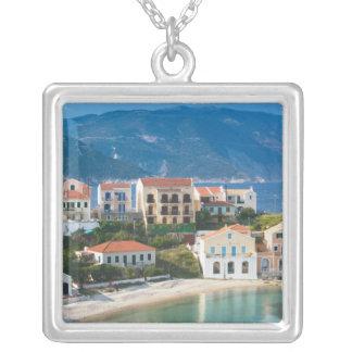 ギリシャのIonian島、KEFALONIA、Assos: 2 シルバープレートネックレス