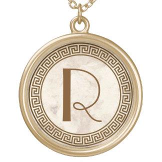 ギリシャ人の鍵のデザインのモノグラム ゴールドプレートネックレス