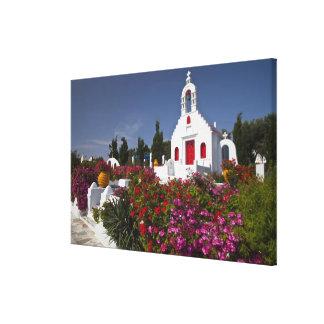 ギリシャ、Mykonosののかわいく小さいチャペル キャンバスプリント