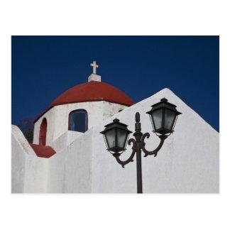 ギリシャ、Mykonosの赤いドームが付いているチャペル ポストカード