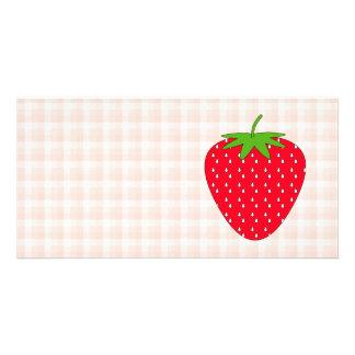 ギンガムの点検の赤いいちご カード