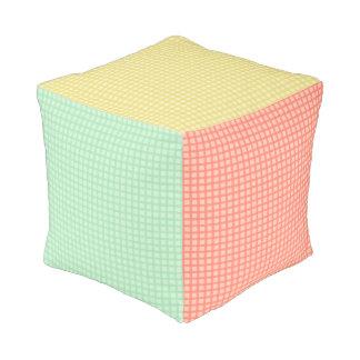 ギンガムパターンキューブパフの枕 プーフ