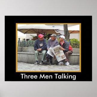 クエンカエクアドルの広場で話している3人 ポスター