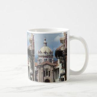 クエンカエクアドル- Iglesia deサンBlas コーヒーマグカップ