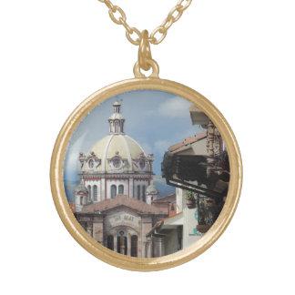 クエンカエクアドル- Iglesia deサンBlas ゴールドプレートネックレス