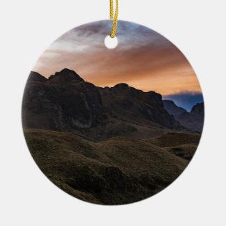 クエンカEcuaのCajasの国立公園の日没Scane セラミックオーナメント