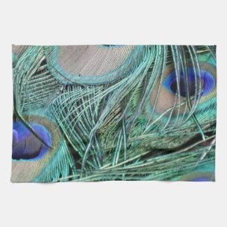 クジャクは緑および青い目に羽をつけます キッチンタオル