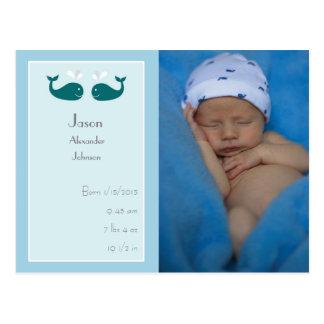 クジラが付いている男の赤ちゃんの誕生の発表の郵便はがき ポストカード