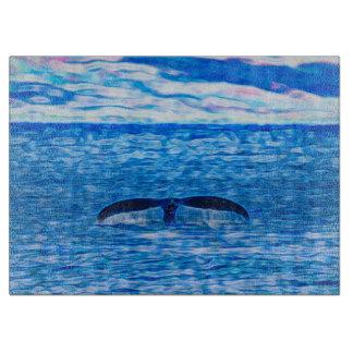 クジラによってはマウイ、ハワイの海岸が徐々に収まります カッティングボード