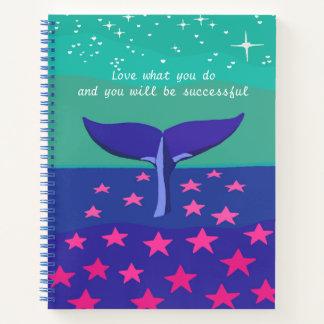 クジラの美しい写真が付いているノート ノートブック
