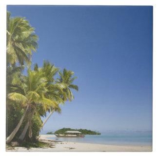 クック諸島、Aitutaki。 ポリネシアのカヌー旅行への タイル