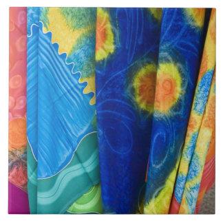 クック諸島、Rarotonga。 ろうけつ染めの布Punanga Nui タイル