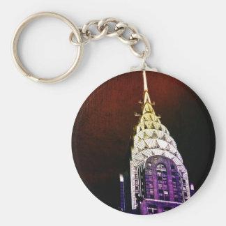 クライスラの建物-紫色および赤NYC キーホルダー