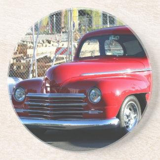 クラシックで赤い車のコースター コースター