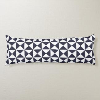 クラシックで青い格子垣パターン抱き枕 ボディピロー