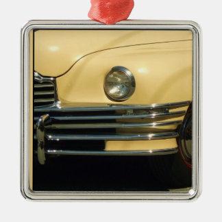 クラシックで黄色い車 メタルオーナメント