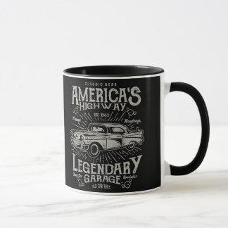 クラシックなアメリカ筋肉車| Hotrodのハイウェー マグカップ