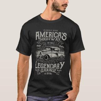 クラシックなアメリカ筋肉車| Hotrodのハイウェー Tシャツ
