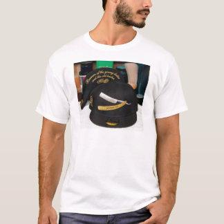 クラシックなチョップの帽子 Tシャツ
