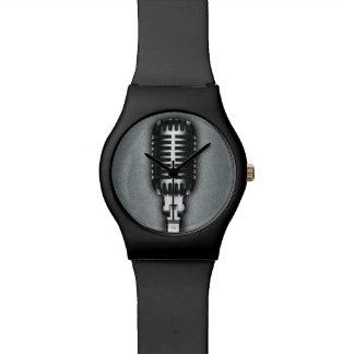 クラシックなマイクロフォン 腕時計