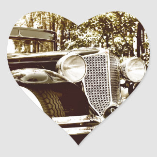 クラシックなヴィンテージのセピア色車 ハートシール