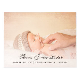 クラシックな写真の父の生まれたばかりのなベビー手 ポストカード