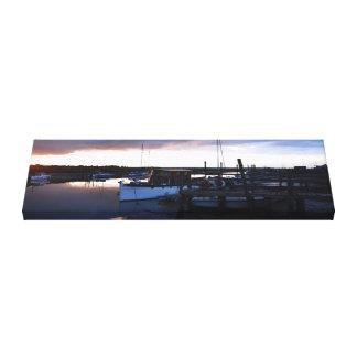 クラシックな木の川の巡洋艦 キャンバスプリント