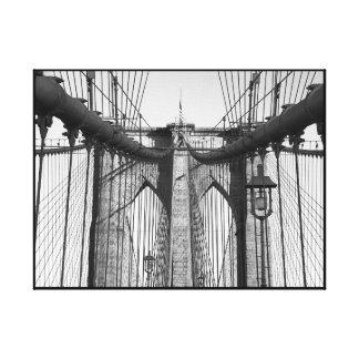 クラシックな白黒ブルックリン橋 キャンバスプリント
