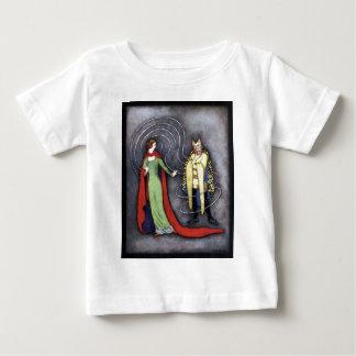クラシックな美しいおよび獣 ベビーTシャツ