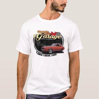 クラシックな車のガレージCamaro Tシャツ