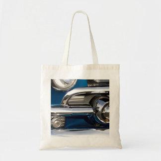 クラシックな車のクロムクローズアップ トートバッグ