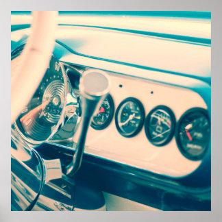 クラシックな車のダッシュ ポスター