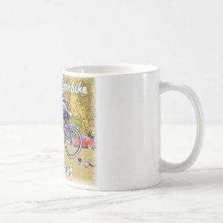クラシックな遠心脱水機のモーターバイク コーヒーマグカップ